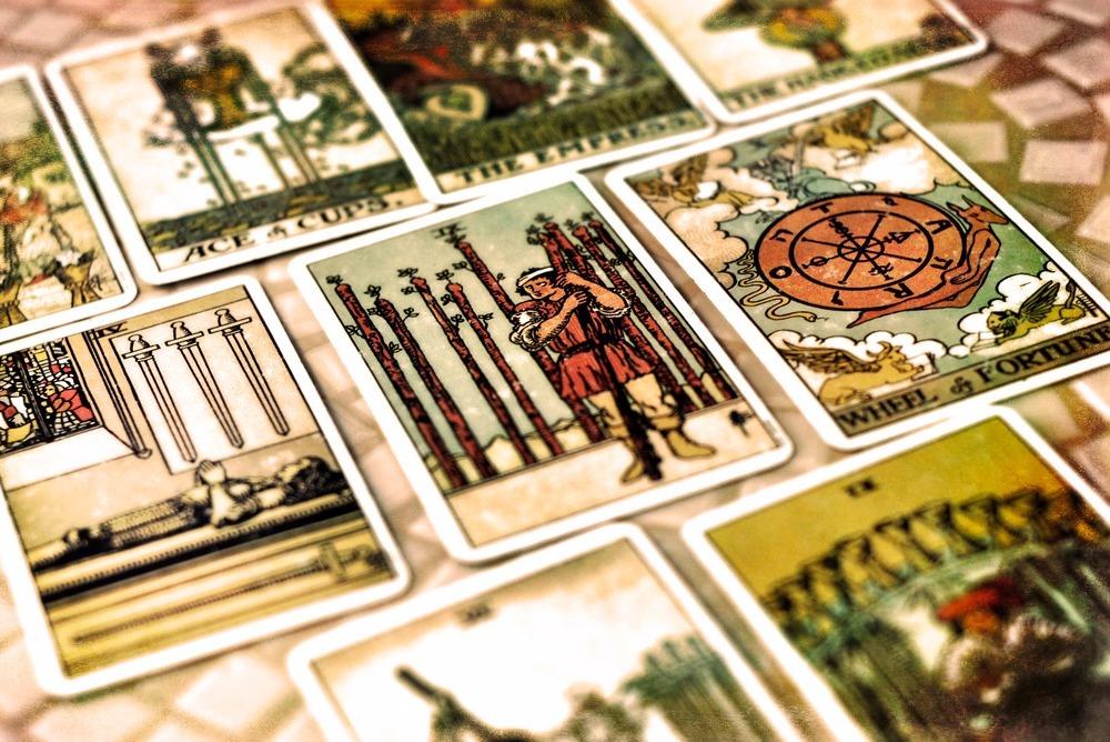 Weekly Tarot Predictions by Maanya Kohli